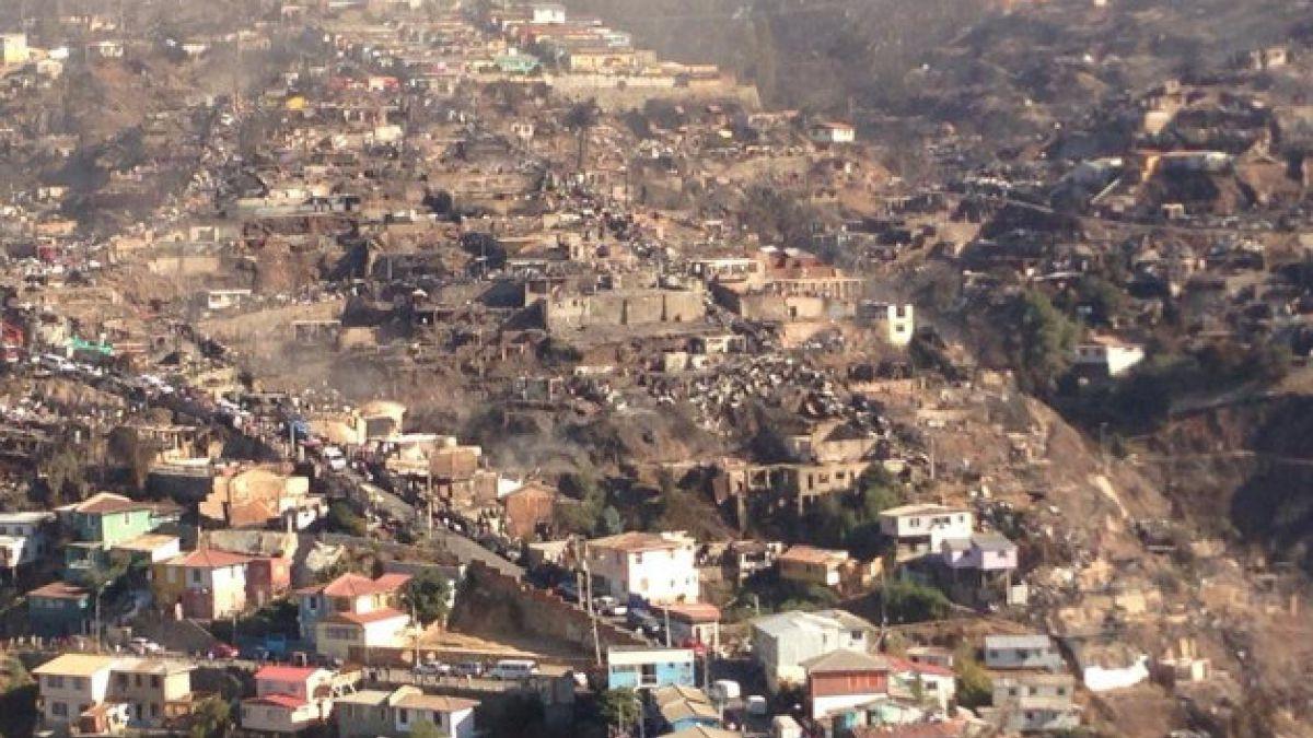 Funcionario de la Conaf registra impresionantes imágenes aéreas de la destrucción en Valparaíso