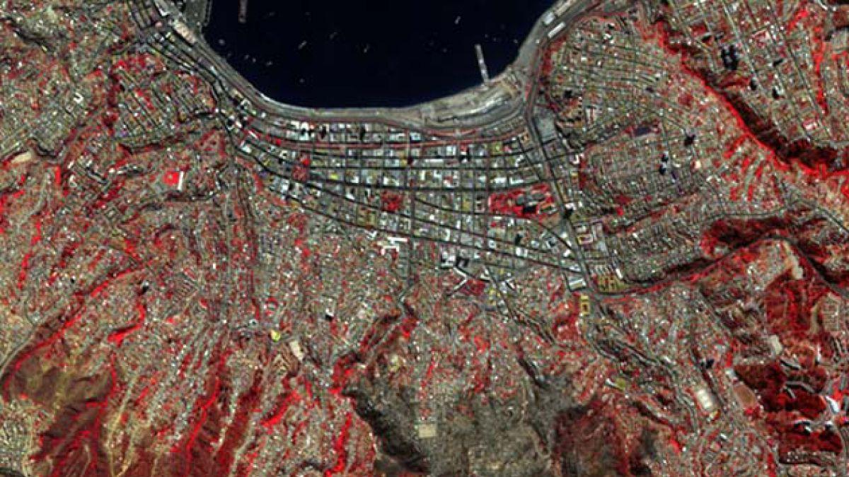 Fotos satelitales muestran el antes y después del incendio en Valparaíso