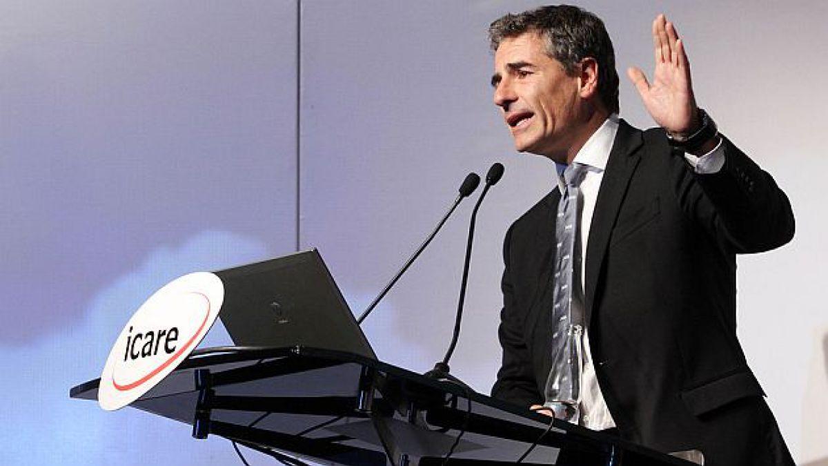 Andrés Velasco: En las condiciones actuales, el fin al reemplazo en huelga podría acrecentar el con