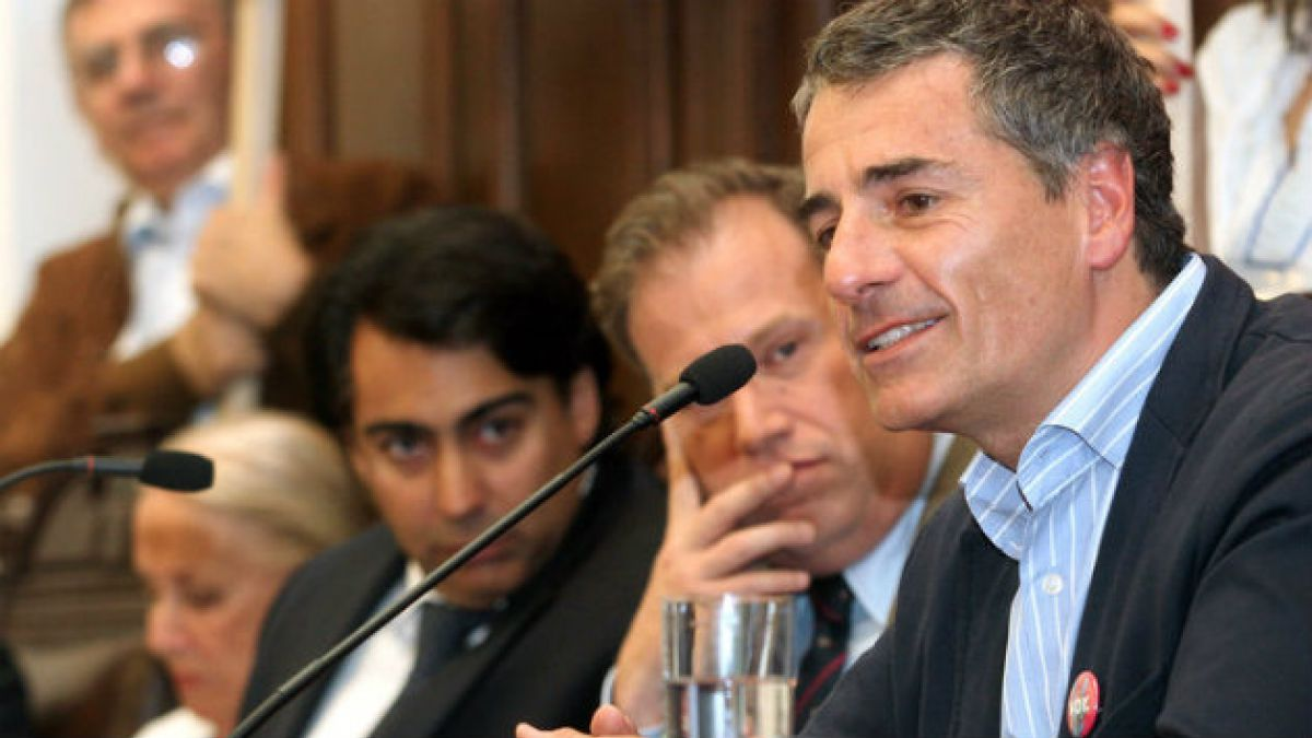 Encuesta CEP: Las cifras del primer frente a frente entre Marco Enríquez Ominami y Andrés Velasco