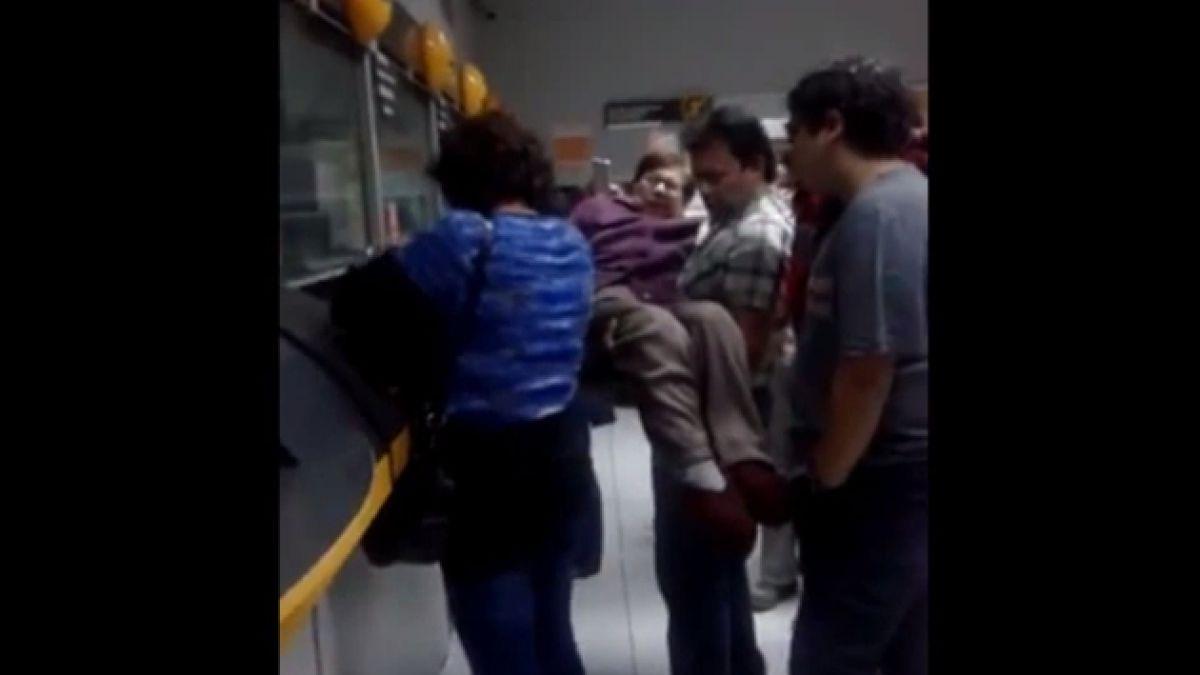 [VIDEO] Anciana en silla de ruedas sufre discriminación en sucursal de Servipag