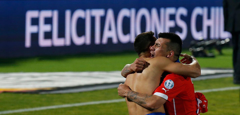 Alexis Sánchez y Gary Medel, campeones Copa América 2015
