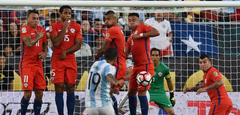 Selección chilena: A La Haya o al hoyo