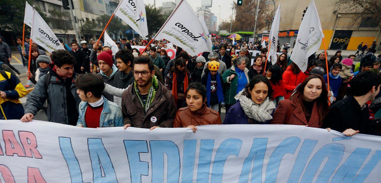 Estudiantes realizan nueva marcha en Santiago: revisa el recorrido y los desvíos de tránsito