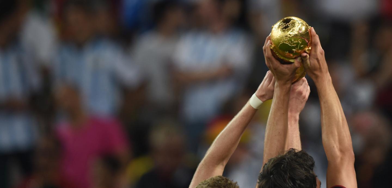 La FIFA y la cueca en pelota