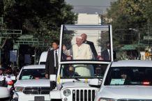 El papa saluda fieles en México al iniciar agenda marcada por violencia y pobreza