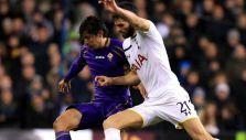 Fernández abandona lesionado partido de Fiorentina en la Europa League