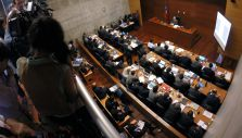 Caso Penta: Juez posterga hasta mañana resolución de medidas cautelares