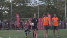 [VIDEO] Vidal y Xabi Alonso protagonizaron increíble partido contra 40 niños