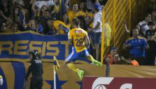 [VIDEO] Edu Vargas se estrena en las redes por Tigres con un golazo en Concachampions