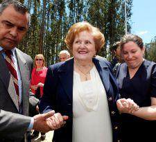 Lucía Hiriart en el acto por el centenario del natalicio de Pinochet