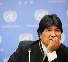 Evo Morales acusa bloqueo de dos mil camiones en la frontera con Chile