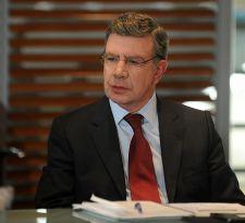 Joaquín Lavín: Hay que intentar que Ossandón y José Antonio Kast participen en primarias