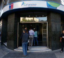 Más de 6 mil personas accederán a gratuidad en salud tras firma de convenio Fonasa-Interior