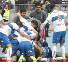 La UC golea a la U y obtiene su primera alegría en el Torneo de Apertura