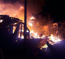 Incendio afectó a casas en el sector de Playa Ancha en Valparaíso