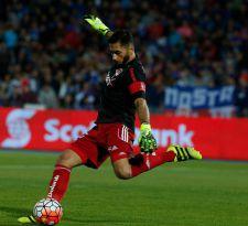 """La """"U"""" también sufre con su arquero: Johnny Herrera no jugará ante Everton"""