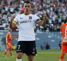 Paredes sella renovación en Colo Colo: Guede ha sido fundamental en mi alza de rendimiento