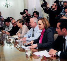 Comité político se reúne en medio de tensión PC-DC y debate por proyección de la Nueva Mayoría