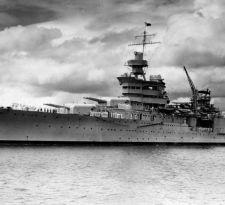 El emblemático barco de guerra USS Indianápolis es hallado 72 años después de su hundimiento