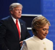 """Hillary Clinton rompe el silencio y califica de """"asqueroso"""" a Trump en su nuevo libro"""
