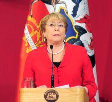 Oficialismo acuerda defender obra de Bachelet frente a Piñera en la discusión presupuestaria