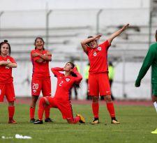 """""""La Roja"""" golea a Bolivia en sudamericano femenino sub 20"""