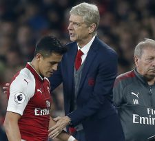 Wenger minimiza salida de Alexis Sánchez comparándola con la de Van Persie