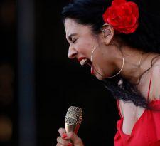 La dura crítica de Mon Laferte a los organizadores de Lollapalooza