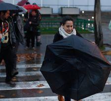 [VIDEO] ¡A sacar los paraguas! (ahora sí) lluvias llegarían la próxima semana a Santiago