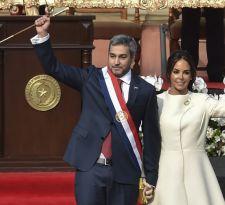 Presidente de Paraguay asume y denuncia abusos de poder en Venezuela y Nicaragua