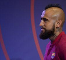 [VIDEO] El gesto de Vidal en su llegada al Camp Nou que fue destacado por el Barcelona