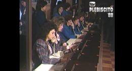 [VIDEO] 148 máquinas de escribir y 12 télex: Así es el centro de prensa del plebiscito