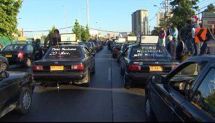 [T13 AM] Colectiveros bloquean avenidas Vicuña Mackenna con Américo Vespucio por manifestación