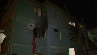 [T13 AM] Un niño muerto y otra niña gravemente herida tras incendio en Puente Alto