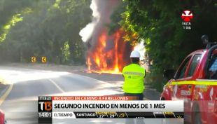 [T13 Tarde] Registran segundo incendio de camión en camino a Farellones