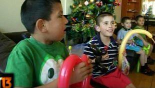 [T13] La campaña navideña que permite regalarle a niños de hogares