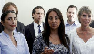 """[T13] Reacciones en La Moneda tras anuncio de una """"nueva oposición"""" en la derecha"""