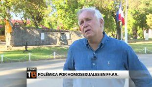 [T13] Ministro Burgos habla sobre financiamiento y presencia de homosexuales en las FF.AA.
