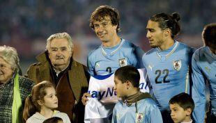 [VIDEO] La inolvidable reacción de Mujica después de la sanción a Suarez en el Mundial