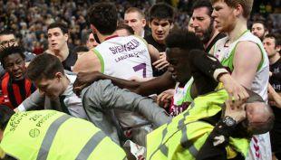 [VIDEO] Batalla campal: Liga española de basquetbol mostró una impresionante pelea
