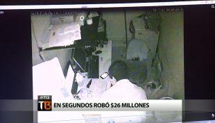 Guardia de seguridad roba 26 millones de pesos en segundos