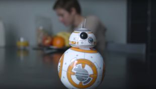 [VIDEO] Así es BB-8, el nuevo juguete de Star Wars controlado por celular