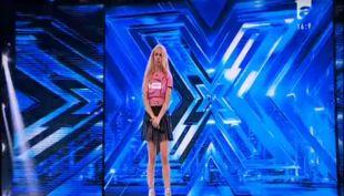 [VIDEO] Mujer rumana se desmaya en pleno escenario de Factor X