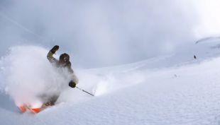 [VIDEO] Esquiador logra captar increíbles imágenes en 360° tras realizar un experimento