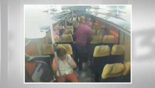 [VIDEO] Los violentos atracos que se producen en los buses de pasajeros