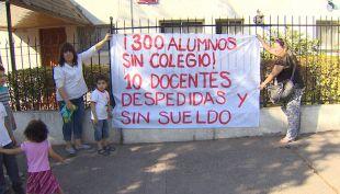 Cierran colegio de Independencia a semanas del inicio de clases