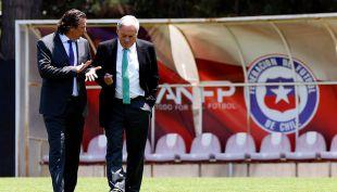 [VIDEO] Pizzi recibe mensaje de Guardiola y busca preparador de arqueros para La Roja