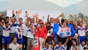 [EN VIVO] Hinchas cruzados llegan a la Plaza Italia para celebrar el triunfo de la UC