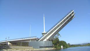 Puente Cau Cau: Presentan querella por fraude al fisco